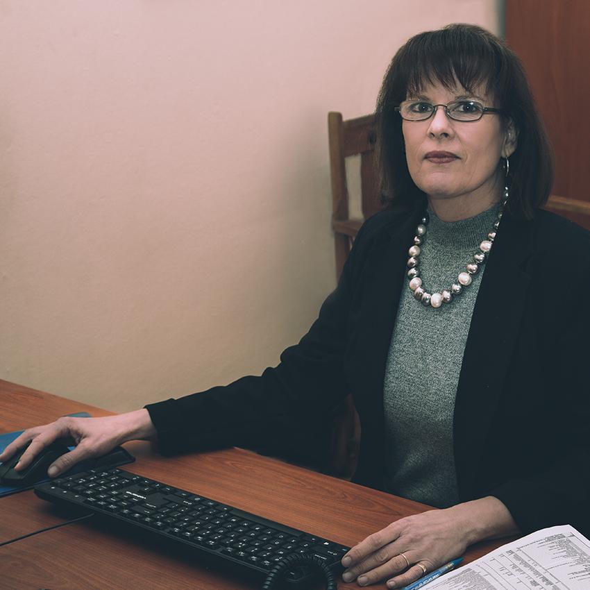 Lynnette Miton